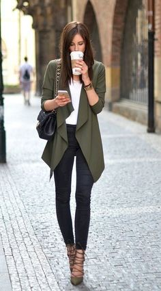 Outfits to Keep You Cool in the Office Loving this draped blazer for a casual Friday at the office.Loving this draped blazer for a casual Friday at the office. Stylish Work Outfits, Fall Outfits For Work, Work Casual, Spring Outfits, Outfit Work, Chic Outfits, Fall Office Outfits, Stylish Office, Fall Work Fashion