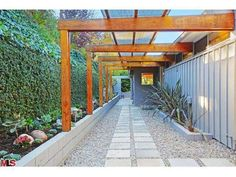 From Venus to Ellen - Venus William's Hollywood Hills Home Sold to Ellen Page - Lonny
