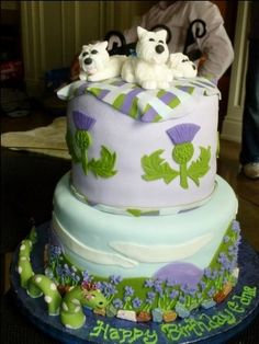 scottish - thistle cake...I totally see this at my wedding one day :)