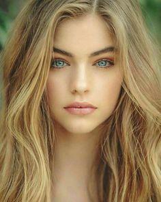 Beautiful Blonde Girl, Beautiful Blue Eyes, Stunning Eyes, Pretty Eyes, Jade Weber, Looks Pinterest, Sparkling Stars, Girl Pictures, Portrait Photography