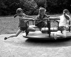 Summer Memories, Childhood Memories, Vintage Photographs, Vintage Photos, Film Photography, Street Photography, Abandoned Churches, Preschool Art, Life Inspiration