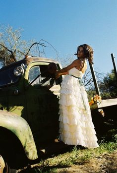 beautiful country wedding dress. ktjean.