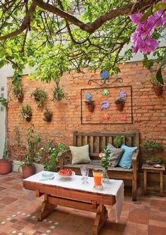 Trendy Small Balcony, Patio, Porch & Backyard Decorating Ideas with Tips Small Backyard Landscaping, Small Patio, Backyard Ideas, Small Gardens, Outdoor Gardens, Outdoor Living, Outdoor Decor, Indoor Outdoor, Outdoor Ideas