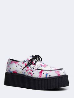- Creepers have never looked better! Decked out with Hello Kitty prints allover this flatform shoo goes from everyday to weekends and beyond! - Features laces up the front and a leatherette upper with