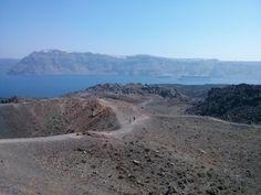 Volcán Isla Santorini (Grecia) River, Outdoor, Volcanoes, Drive Way, Islands, Outdoors, Outdoor Living, Garden, Rivers