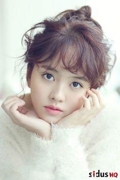 Kim So-hyun (김소현) - Picture @ HanCinema :: The Korean Movie and Drama Database Kim Yoo Jung, Korean Actresses, Korean Actors, Korean Beauty, Asian Beauty, Kim So Hyun Fashion, Kim Sohyun, Haircuts With Bangs, Cute Asian Girls