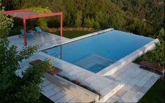 Infinity Edge Pool ~ Beautiful! MOBILIARIO BANCA CON DECK Y JARDÍN