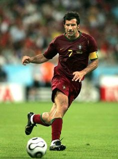 Because Figo is my favourite player of all time, I forgive him for the Barcelona 'thing'. Just because he is the reason why I have started (really) watching football back in 2000, with his amazing goal against England. The best way to begin 'The Best' board.