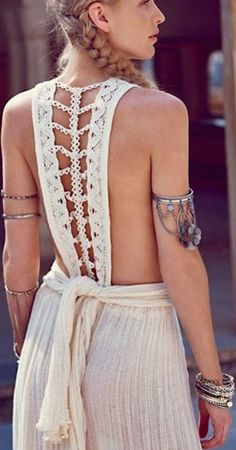 Awesome outfit and liked the back lace work