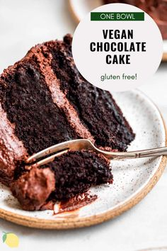 This vegan chocolate cake is the only recipe you need! It's rich, fluffy, moist and even gluten free! This easy vegan cake is perfect for a birthday party and finished off with an easy chocolate buttercream frosting. I promise you'd never know it's gluten free! #vegancake #veganchocolatecake #glutenfreecake Best Vegan Chocolate, Gluten Free Chocolate Cake, Vegan Chocolate Chip Cookies, Chocolate Flavors, Chocolate Recipes, Chocolate Cakes, Healthy Dessert Recipes, Cupcake Recipes, Vegan Desserts