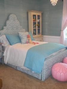 Grasscloth wallpaper - bedhead