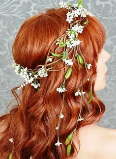 Boho ginger down wedding hairstyle with flower crown corona halo   ♔