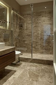 How Should Parent Bathroom Design Be? Bathroom Design Luxury, Bathroom Design Small, Bathroom Layout, Luxury Interior Design, Modern Bathroom, Dream Bathrooms, House Design, Marble Tiles, Bathroom Renovations