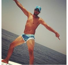 I love this man!  Luke Bryan, shirtless