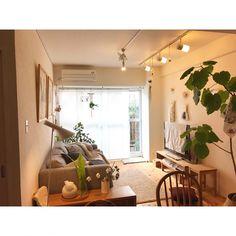 Inexpensive Home Decorating Ideas Small Apartment Interior, Room Interior, Interior Design, Home Bedroom, Home Living Room, Living Room Decor, Dark Interiors, Simple House, Decoration