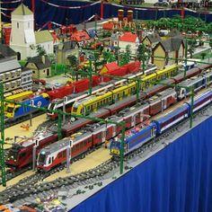 Hunltc trains by Ashi V