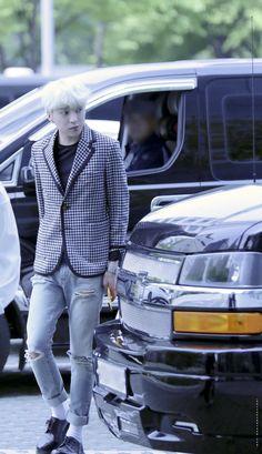 (82) ทวิตเตอร์ Kang Seung Yoon, Kim Jin, Seong, Yg Entertainment, Korean Boy Bands, Hipster, Blazer, Boys, Style