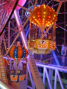 luluzinha kids parque de divers es - Carnival lights in shopping mall in Singapore Carnival Lights, Summer Aesthetic, Aesthetic Yellow, Aesthetic Outfit, Amusement Park Rides, Carnival Rides, Fun Fair, Roller Coaster, Coaster Art