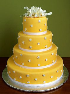 This Rose and Yellow wedding cake by Maisie Fantaisie is ideal for those who love the new Cath Kidston trend. Crazy Cakes, Fancy Cakes, Cute Cakes, Pretty Cakes, Beautiful Wedding Cakes, Gorgeous Cakes, Amazing Cakes, Take The Cake, Love Cake