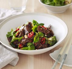Tasty Asian beef stir fry | Chelsea Winter | can probably be made GF (need to check hoisin sauce)