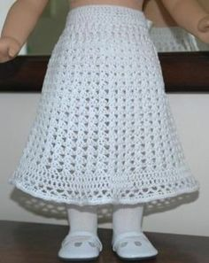 American Girl Doll Lace Skirt pattern by Elaine Phillips : Free Doll Skirt Crochet Pattern American Girl Outfits, Ropa American Girl, American Girl Crochet, American Doll Clothes, Baby Doll Clothes, Crochet Doll Dress, Crochet Doll Clothes, Crochet Doll Pattern, Knitted Dolls