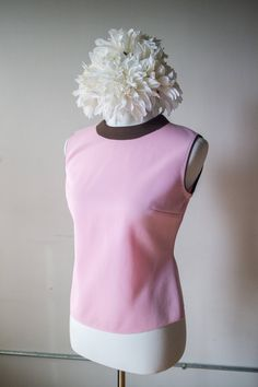 6201ce4f8977 Vintage 1970s Brown and Pink Sleeveless Top - Size M by AveryVintageShop on  Etsy Brown Outfit