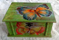 Caja de madera con mariposas von La Terra auf DaWanda.com