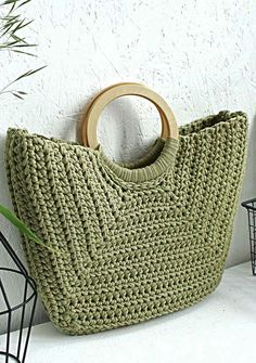 Crochet Bag Models Worth Seeing In August 2019 - Page 11 Of 40 - Womens Ideas - Knitting Bag Bag Crochet, Crochet Handbags, Crochet Purses, Knit Bag, Crochet Pattern, Diy Crafts Crochet, Crochet Ideas, Bag Women, Leather Diy Crafts