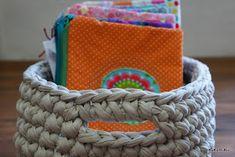 Kukuruku - Shop: Návod na háčkovaný koš Laundry Basket, Kos, Wicker, Macrame, Crochet Baskets, Bathroom Laundry Hampers, Loom