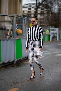 The Best Street Style Looks From Paris Fashion Week Fall 2019 Black Women Fashion, White Fashion, Womens Fashion, Paris Fashion Style, London Fashion, Street Style Trends, Street Style Looks, Street Styles, Cool Street Fashion