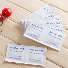 Wholesale Wet Wipes Useful Alcohol Swabs Pads Wipes Skin Cleanser Sterilization 70% Isopropyl First Aid Home