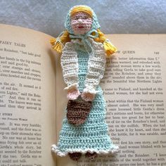 jill with pail crochet bookmark pattern PDF by AndersonsCreations