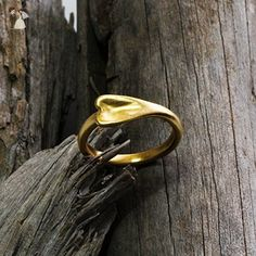 A Heart shape narrow solid gold wedding band - Wedding and engagement rings (*Amazon Partner-Link)
