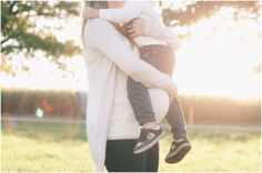 Fall Maternity Session for a Baby Girl by M Houser Photography - Inspired By This Family Maternity Photos, Fall Maternity, Maternity Poses, Maternity Pictures, Newborn Photos, Baby Pregnancy, Pregnancy Photos, Fall Family, Picture Ideas