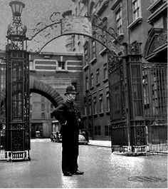 Cannon Row Police Constable On Duty, Scotland Yard, Westminster,London,SW1,UK. circa 1940's World War Two by sgterniebilko, via Flickr