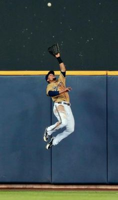 Milwaukee Brewers center fielder Carlos Gomez