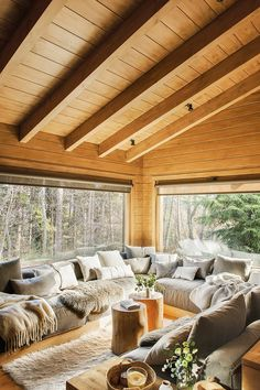 room decor Rustic Living Room Decor Ideas Inspired By Cozy Mountain Cabins Dreamy rustic cabin interior design living room Cabin Interior Design, House Design, Room Interior, Cabin Interiors, Cozy Living Rooms, Cabin Homes, Rustic Decor, Modern Cabin Decor, Modern Log Cabins