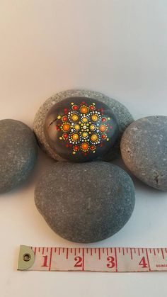 Check out this item in my Etsy shop https://www.etsy.com/ca-fr/listing/294875333/pierre-mandala