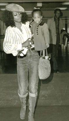 Portrait of a working mother: Diana Ross & her daughter Rhonda Vintage Black Glamour, Vintage Beauty, My Black Is Beautiful, Black Love, Look Girl, Natalia Vodianova, Lauren Bacall, Mode Vintage, Mothers Love