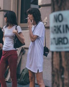 La Reina Argentinian — Jamie Bochert y Mica Argañaraz durante Pretty People, Beautiful People, Mullet Hairstyle, Heroin Chic, Model Street Style, Girl Short Hair, Grunge Hair, Mode Inspiration, Role Models