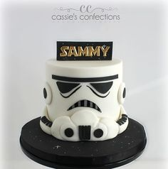 Storm trooper cake! #starwars #stormtrooper #starwarscake #starwarsbirthday #cassiesconfections