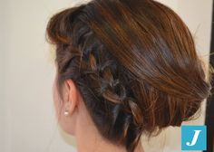 La semplicità di una treccia raccoglie capelli di stile. #cdj #degradejoelle #tagliopuntearia #degradé #igers #braid #naturalshades #hair #hairstyle #haircolour #haircut #longhair #style #hairfashion