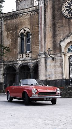 Fiat 124 Spider in Sicily: I wanted this car so bad when I was in High School