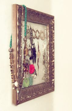 diy jewelry display w/ framed chicken wire