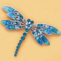 Dragonfly Pin in the middle of your mosaic and build it from there Dragonfly Jewelry, Dragonfly Art, Dragonfly Tattoo, Insect Jewelry, Vintage Jewelry, Handmade Jewelry, Unique Jewelry, Bijoux Diy, Art Nouveau