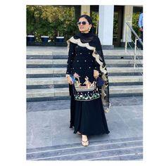 Kanjivaram Sarees Silk, Fancy Dress Design, Boutique Suits, Sharara Suit, Designer Party Wear Dresses, Dress Indian Style, Embroidery Suits, Punjabi Suits, Frocks