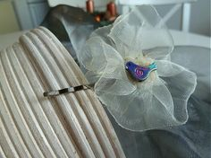 Martinuska / biela sponka z organzy s vtáčikom Brooch, Handmade, Jewelry, Fashion, Moda, Hand Made, Jewlery, Jewerly, Fashion Styles