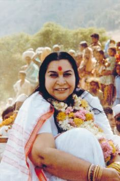 Shri Mataji Sahaja Yoga Meditation, Lord Rama Images, Shri Mataji, Mother Pictures, Holy Land, Reiki, Culture, Princess, Couple Photos