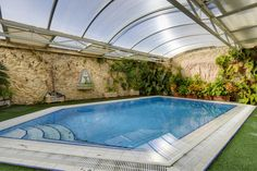 #outdoors #meetindoors #pool #sunny #luxious #luxury #lawn #malta #homesofquality http://www.homesofquality.com.mt/Detail.aspx?ref=029210