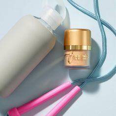 Step up your workout, and exercise al fresco! Use Jane Iredale's Powder-Me SPF to protect your skin while you sweat.  Shop this product: https://joyviva.ca/product/jane-iredale-mineral-makeup-powder-spf/?utm_campaign=coschedule&utm_source=pinterest&utm_medium=Joyviva%20Beauty%20and%20Wellness%20Online